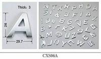 Samolepka na auto písmeno háček 3D znak 26mm, chrom Vyrobeno v EU