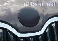 Kryt emblému, ABS-černá metalíza - přední, Škoda Superb, Octavia II, Octavia II Facelift, Roomster,