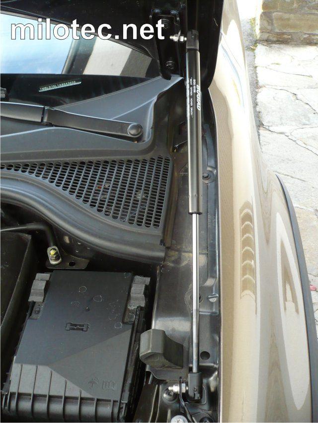 Plynová vzpěra kapoty motoru, Škoda Yeti
