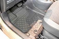 Gumové koberce vaničky Toyota Yaris Hybrid 2011r => htb