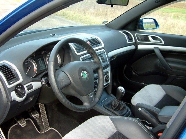 Dekory interiéru, sada 1 (lišty palubní desky a dveří 7 ks) ABS-stříbrný matný, Škoda Octavia II, Škoda Octavia II Facelift