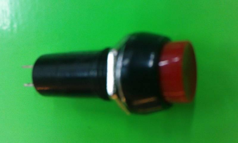 Stiskový vypínač 6 - 24V, kulatý červený Vyrobeno v EU